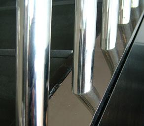 Floor to ceiling room dividers hidden weld detail